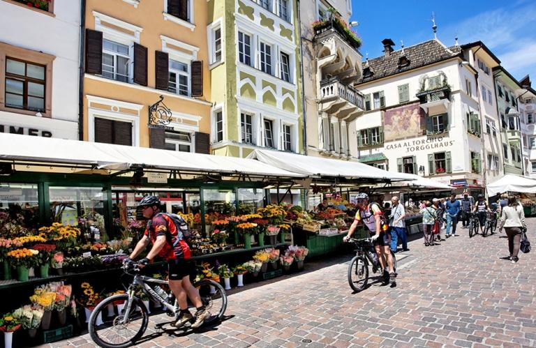 Obstmarkt in Bozen © IDM - Daniel Geiger