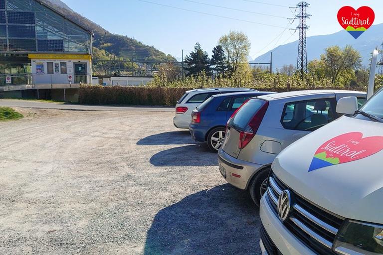 Parkplatz-Seilbahn-Unterstell